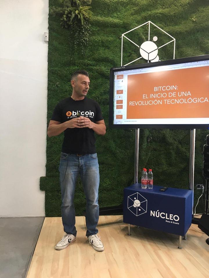 Enrique Hernández Nuez consultor y formador en Bitcoin y Blockchain online
