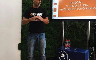 """Enrique Hernández Nuez ponente en Núcleo Blockchain: """"Meeting Point"""""""